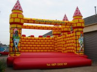 CCASY1 - 6 Tower Castle Bouncer